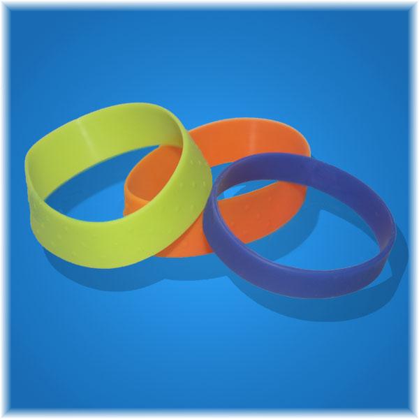 硅胶手镯价格行情_什么地方有卖实惠的纯色硅胶手环