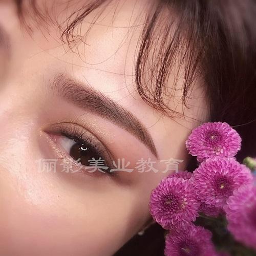 半永久紋繡眉眼唇創業班湛江儷影化妝學校更專業,專業的湛江紋繡培訓
